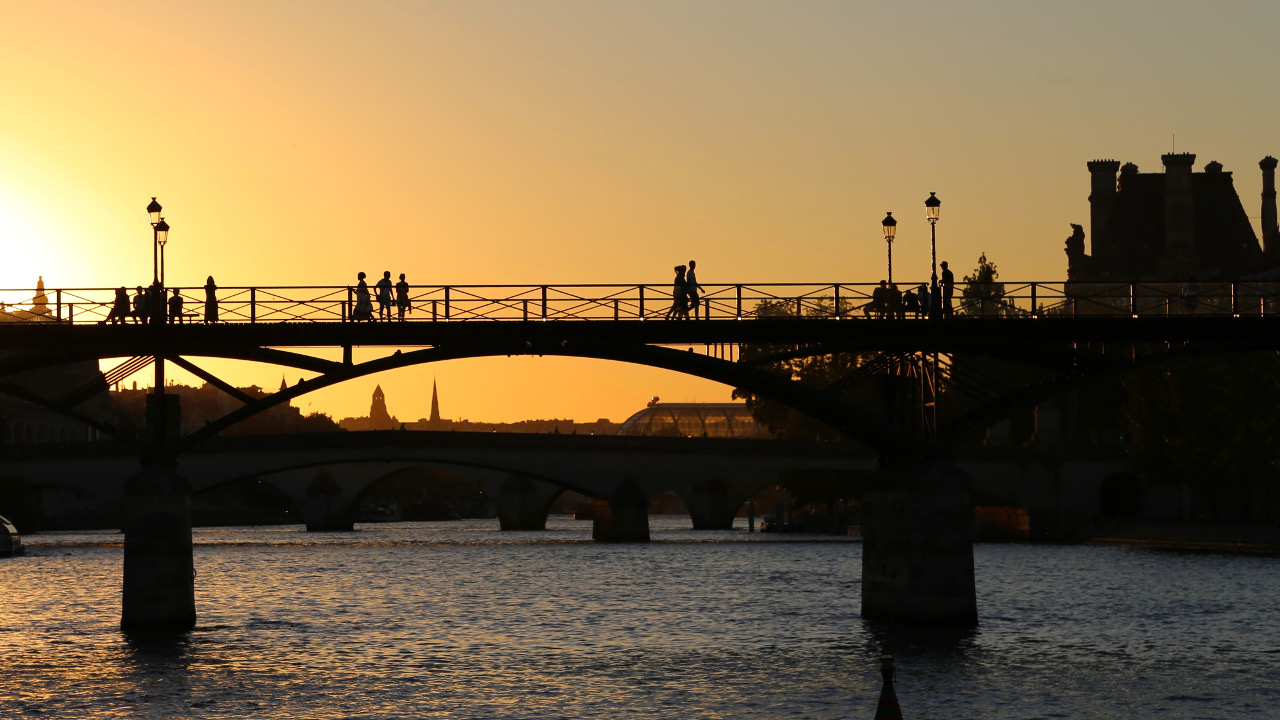 couché de soleil au pont des Arts Paris