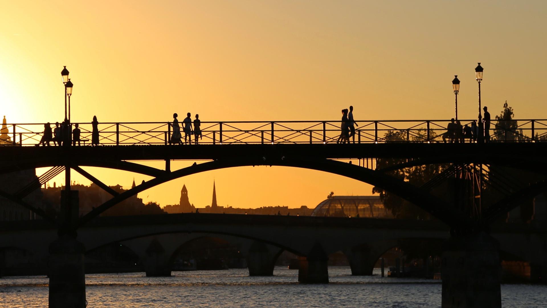 couché de soleil pont des Arts Paris