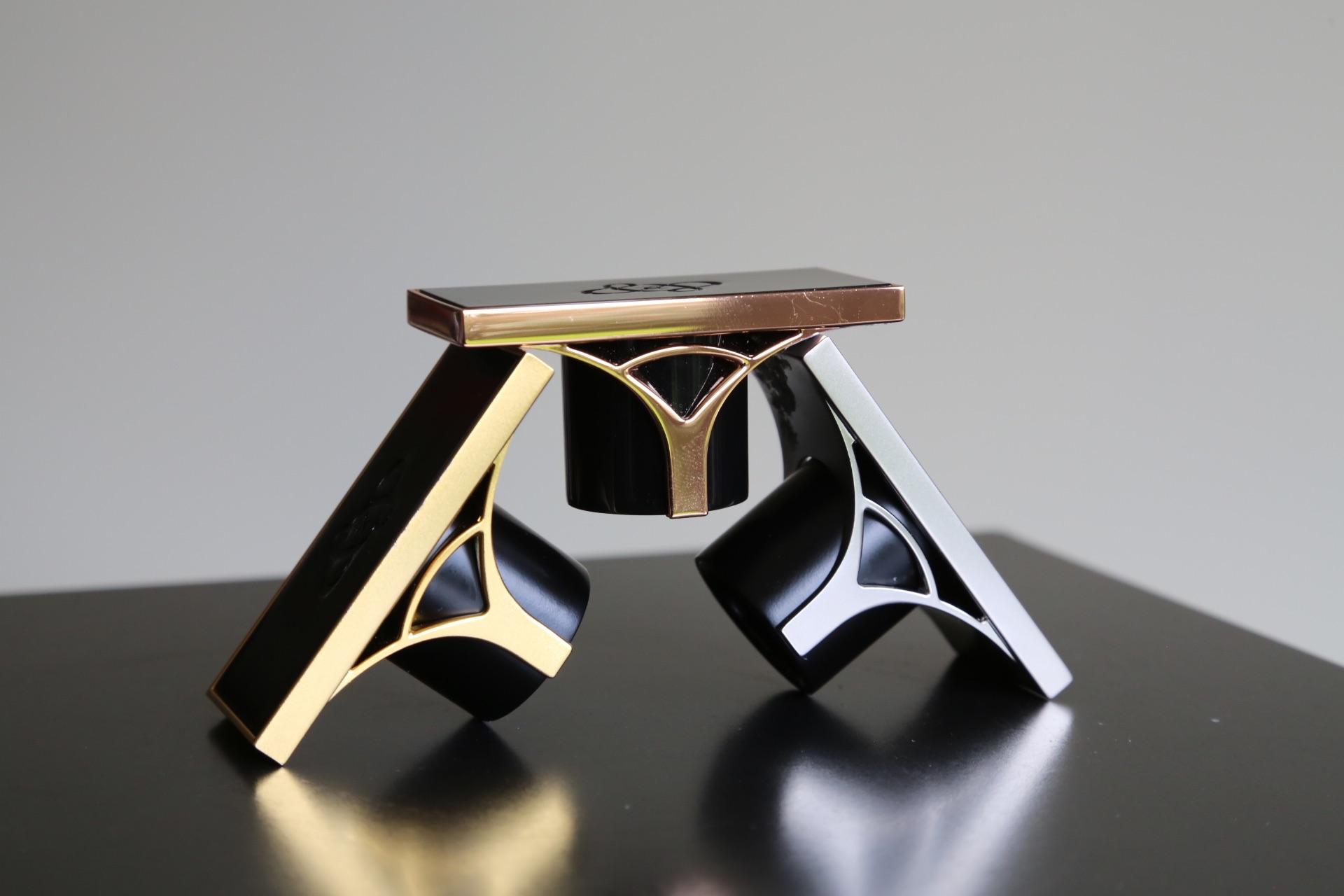 cap Pont des Arts designer perfumes