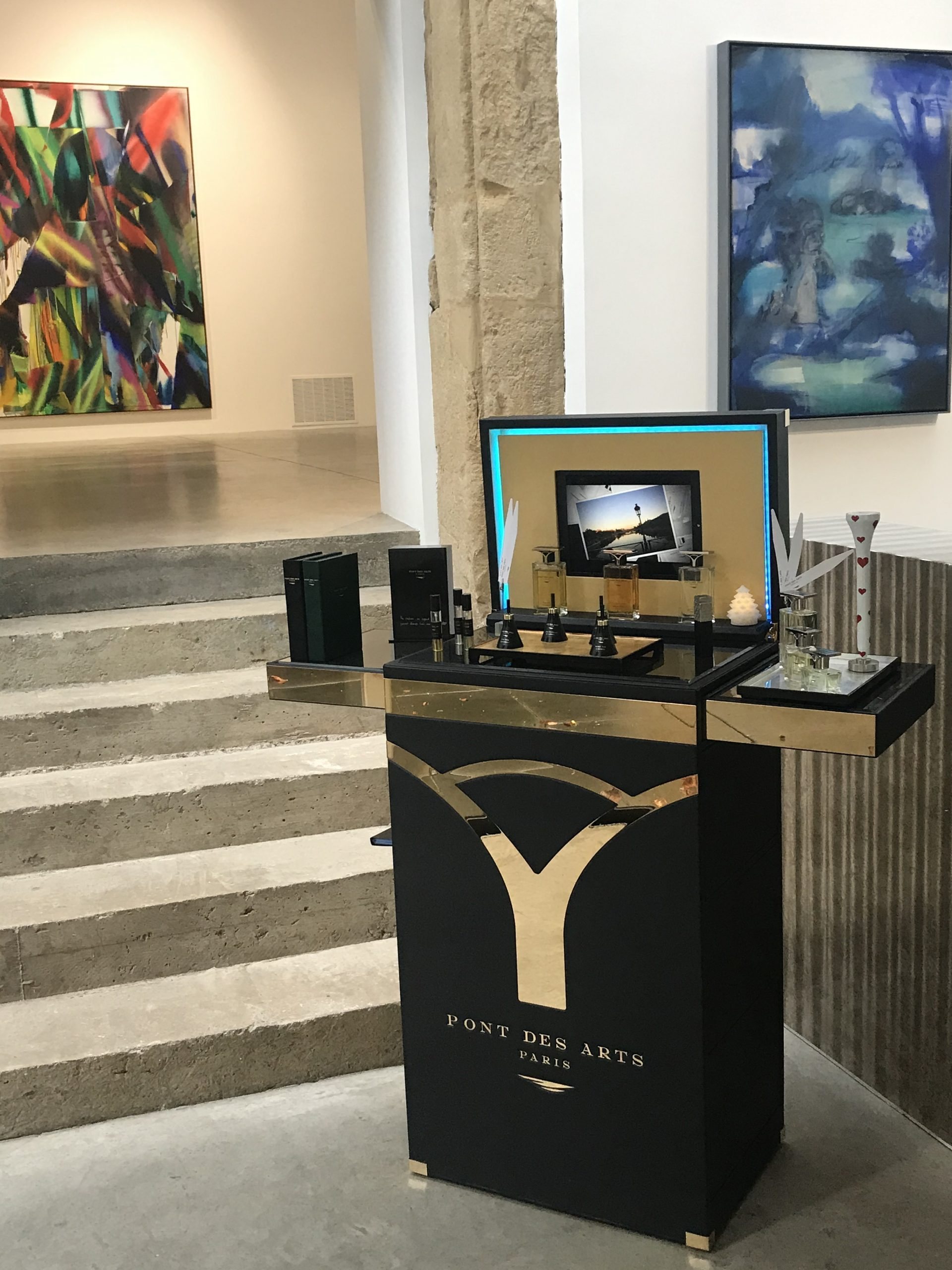 exposition malle à parfum Pont des Arts Gallery Zidoun & Bossuyt